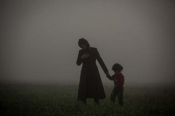 Una madre y su hijo. Foto: Olmo Calvo.