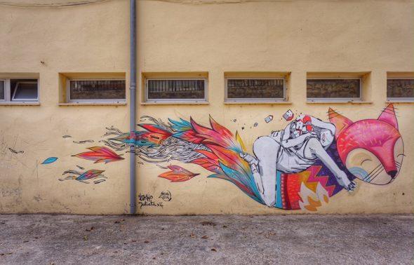 Colaboración entre dos artistas en Fanzara. Foto: Manuel Cuéllar.