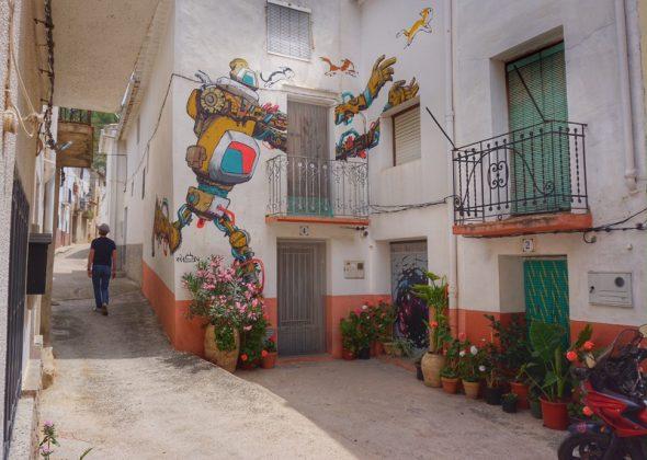 Calles del pueblo de Fanzara. Foto: Manuel Cuéllar.
