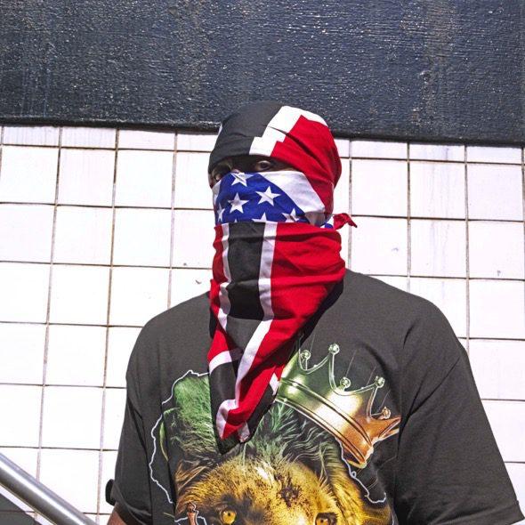 Un hombre afroamericano en el desfile anual del Caribe en Brooklyn, Nueva York. Foto: Ana Nance.