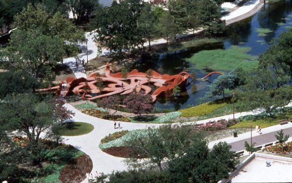 Patricia Johanson Fair Park Lagoon (Dallas, Texas),1981Cortesía de la artista