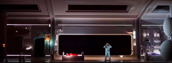 Interior de la nave espacial en la propuesta de La Bohème de Claus Guth. foto: Bernd Uhlig.