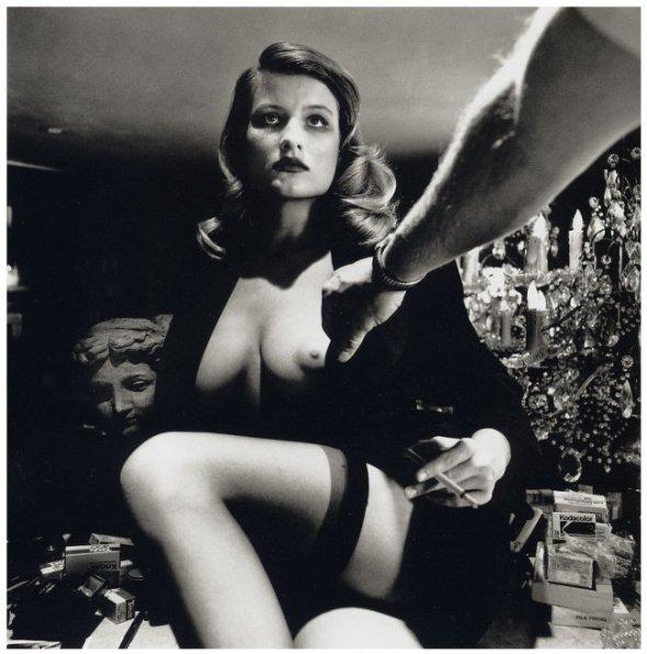 Desnudo femenino de Helmut Newton.