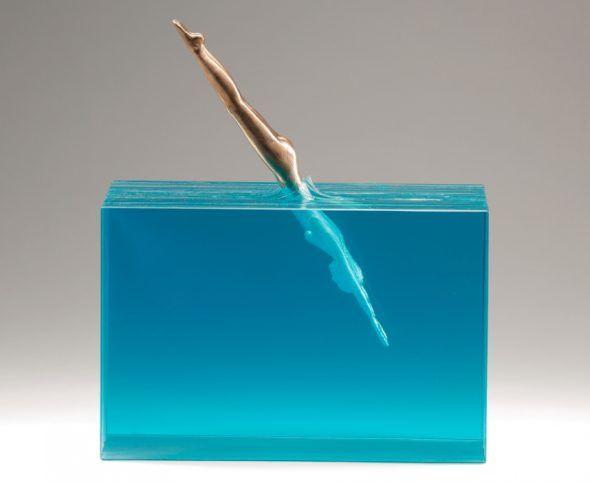 'Saltadora', escultura de vidrio de Ben Young.