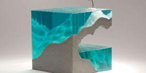 'Solitario', escultura de Ben Young en la que el mar se ha realizado con vidrio.