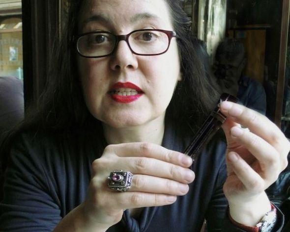 La escritora e investigadora Ana Muiña, autora del libro.