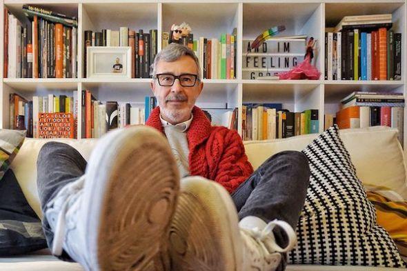 Paco Tomás en su casa del centro de Madrid. Foto: M. Cuéllar.