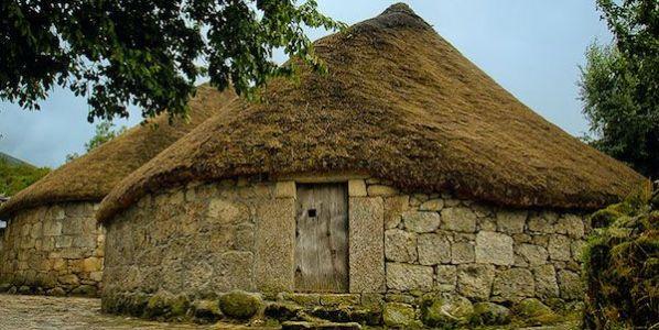 Pueblos de pallozas de os Ancares. Foto: maravillasde.com