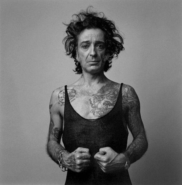 Alberto García Alix: autorretrato, mi lado femenino, 2002
