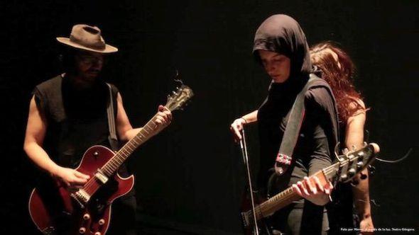Un momento de la representación de la ópera flamenca 'A través de la luz' en el teatro Góngora. Foto: Nievas.