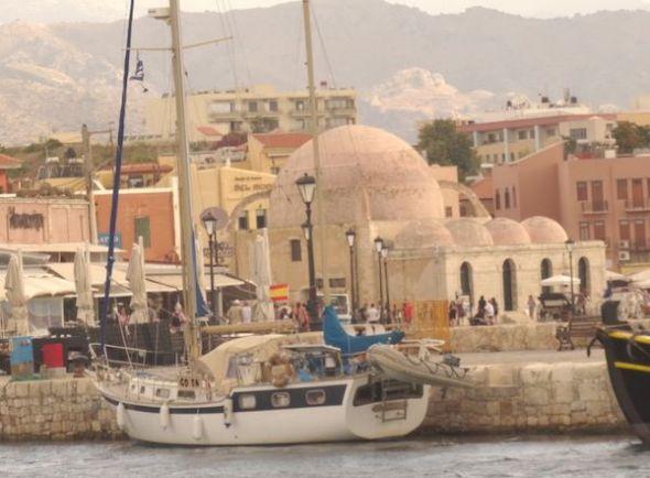 Amarrados en el puerto de Hania.