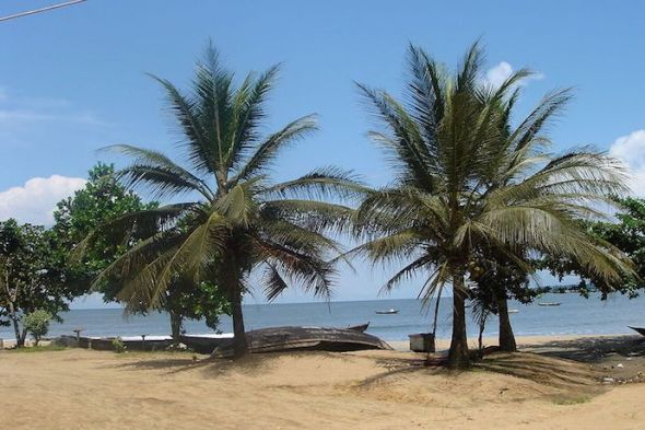 La playa de Kribi en Camerún. Foto: Creative Commons.