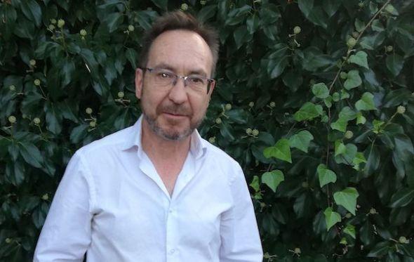 El escritor Suso Mourrelo.