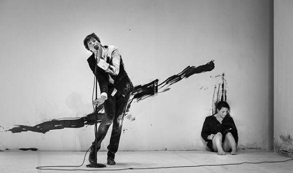 Camille Decourtye y Blaï Mateu Trias en un momento de 'Là'. Foto: Francois Passerini.