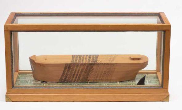 H. C. Westermann. 'Barco de la muerte arrollado por un Lincoln Continental'. Foto: Robert Wedemeyer.