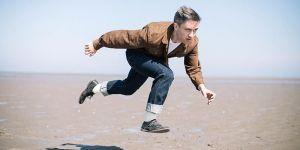 Conor O'Brien, líder del grupo Villagers, volando bajito.