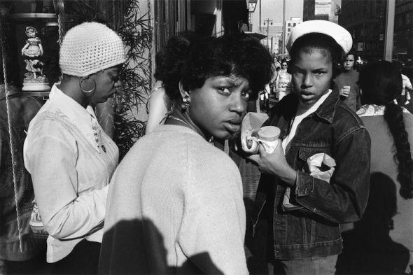 Anthony Hernandez Los Angeles #14, 1973 [Los Ángeles n.o 14] Copia en gelatina de plata, 16 × 20 in (40,6 × 50,8 cm) Colección del artista © Anthony Hernandez