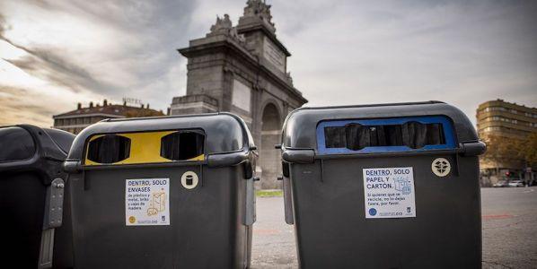 Contenedores de reciclaje en Madrid.