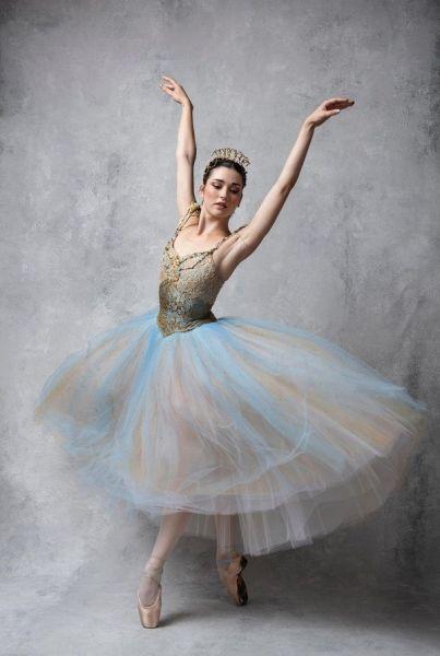 La bailarina Clara Maroto en una fotografía de estudio.