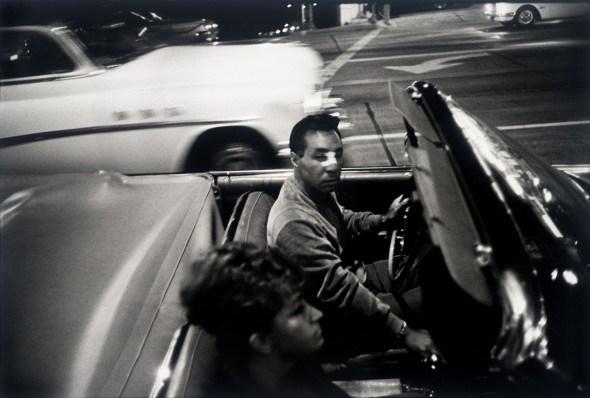 Los Angeles, 1964. Garry Winogrand. San Francisco Museum of Modern Art, gift of Jeffrey Fraenkel. © The Estate of Garry Winogrand, courtesy Fraenkel Gallery, San Francisco.