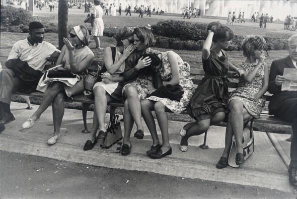 New York World's Fair, 1964. Garry Winogrand. San Francisco Museum of Modern Art, gift of Dr. L. F. Peede, Jr. © The Estate of Garry Winogrand, courtesy Fraenkel Gallery, San Francisco.