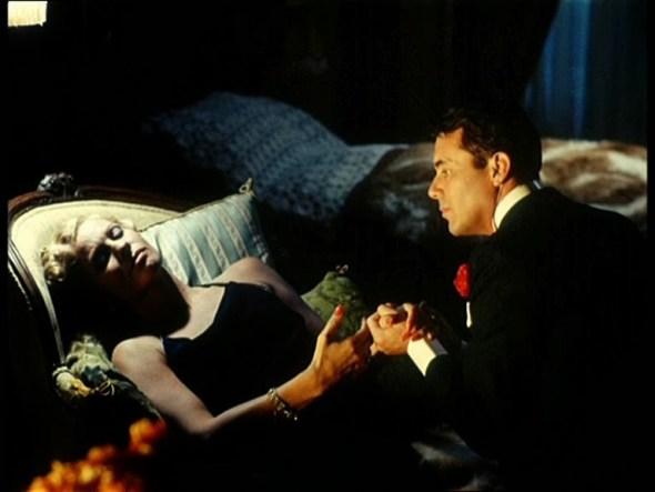 Ingrid Thullin y Dirk Bogarde en una escena de 'La caída de los dioses'