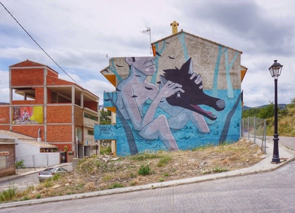 Una obra de Sabek forma parte del Museo Inacabado de Arte Urbano de Fanzara. Foto: Manuel Cuéllar.