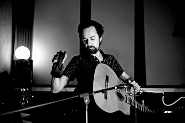 El músico Diego Vasallo. Foto: Maxi Del Campo.
