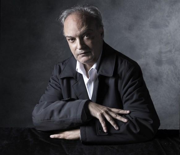 El escritor Enrique Vila-Matas retratado por Outumuro.