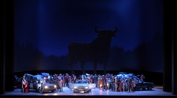 El Real también ha programado la polémica Carmen con puesta en escena de Calixto Bieito. Foto: Vincent Pontet / Opéra national de Paris