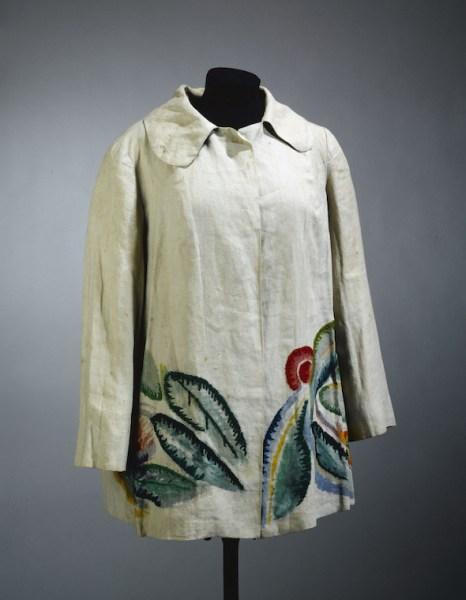 Sonia Delaunay Chaqueta, 1928 (Jacket) Tela de lino en crudo, con pintura y bordados en lana. Palais Galliera, Musée de la Mode de la Ville de Paris. Donación de Madame Annette Jean Coutrot