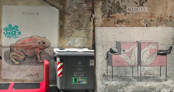 Dos obras antiguas de Escif en las calles valencianas. A la izquierda sobre Felipe VI y a la derecha una perteneciente a la serie 'Recortes'. Fotos: M. C.