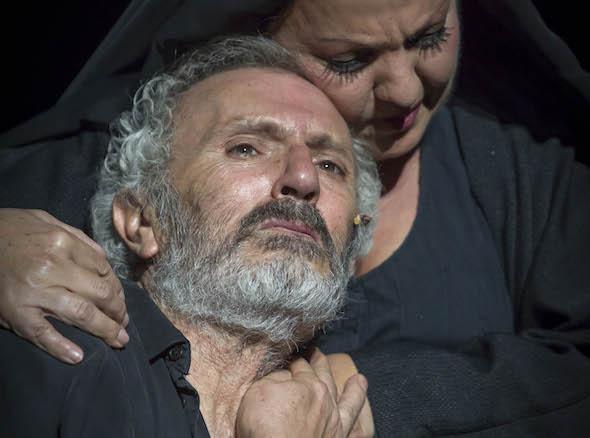 El actor Antonio Valero y la cantaora Carmen Linares en Séneca. Foto/ Jero Morales