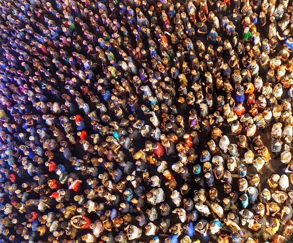 Aglomeración humana. Foto: Manuel Cuéllar.