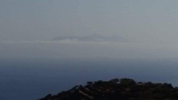 Turquía apareció en el horizonte, como si la hubiera inventado, hecha nube.