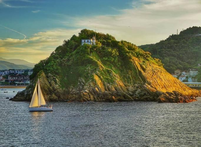 La isla de Santa Clara en San Sebastián. Foto: Manuel Cuéllar.