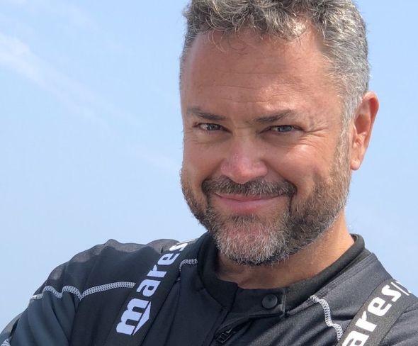 Karlos Simón.