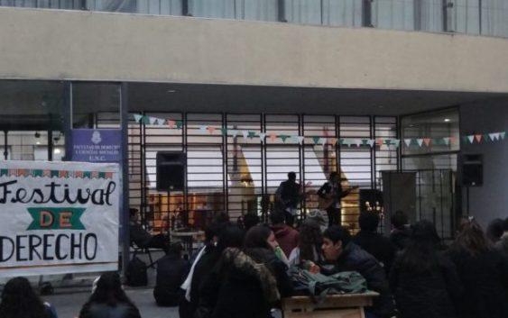"""Se llevó a cabo el """"Festival de Derecho"""" con la participación de Salvapantallas"""