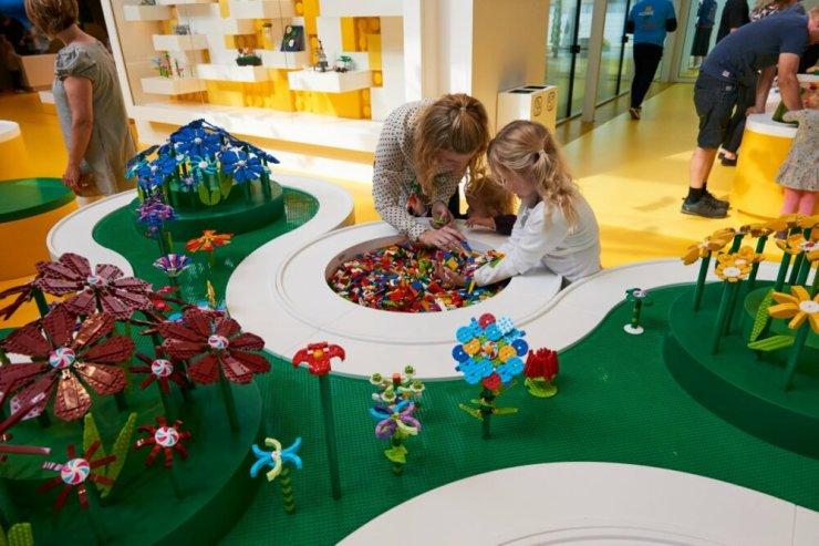 Lego House. Casa Lego foto interior zona juegos