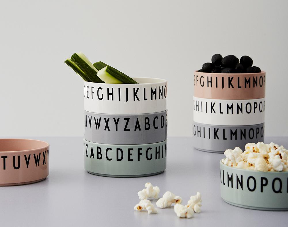 Design Letters bowls de colores nude verde y gris