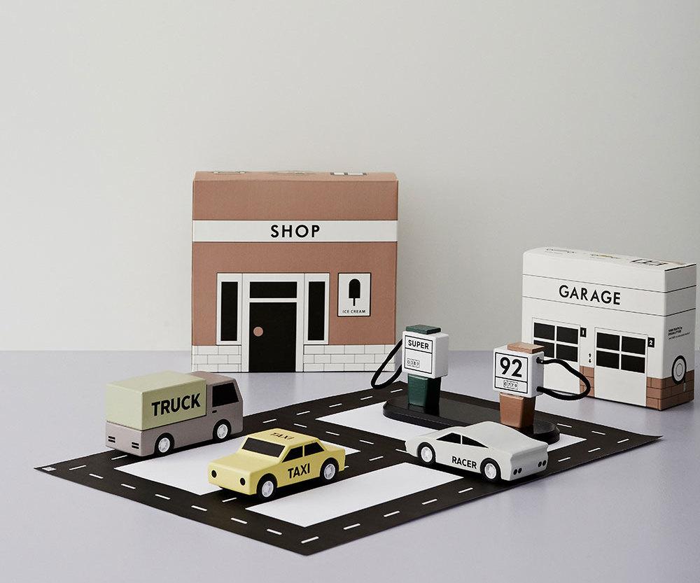Design Letters Kids. Juego de cartón. Garage and Shop. Tipografía de Arne Jacobsen. Diseño para niños