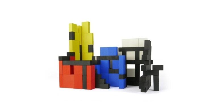 Bajo construcciones blocs Mondrian