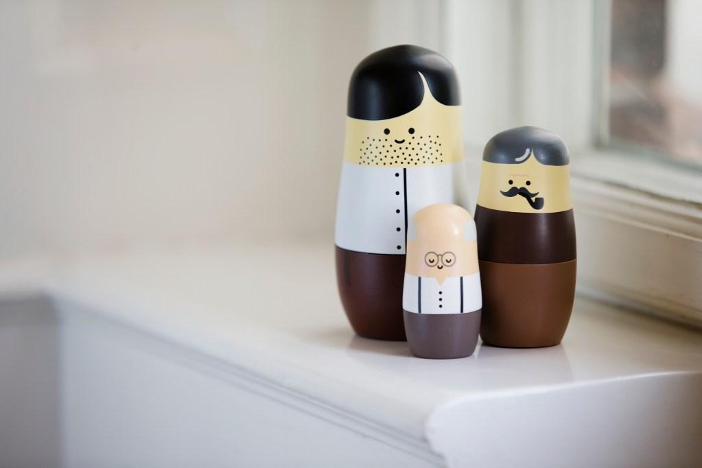 Matrioskas, muñecas rusas, nesting dolls. Padres