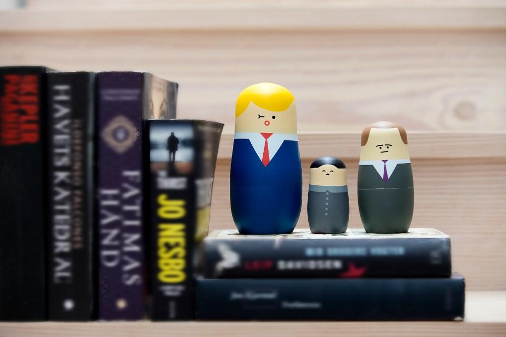 Matrioskas, muñecas rusas, nesting dolls. Trump, Putin, Kim Jong-un