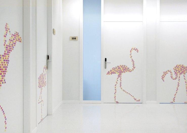 Rai Pinto. Ambientación y diseño interior Hospital Sant Joan de Déu. L'amagatall dels animals. Cigonyes