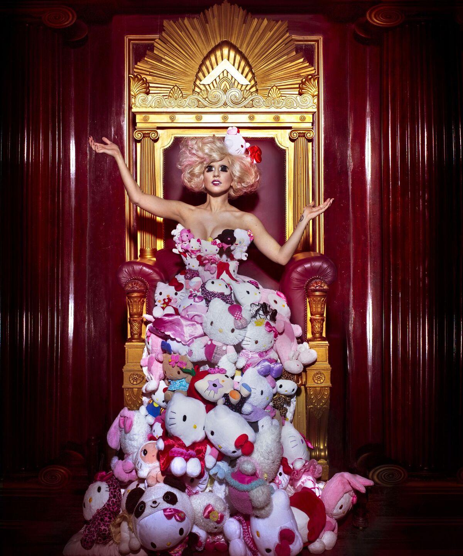 Lady Gaga Hello Kitty