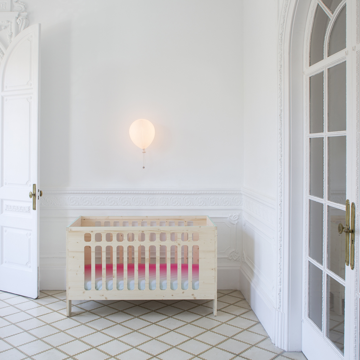 XO In My Room - muebles infantiles. Cuna de madera