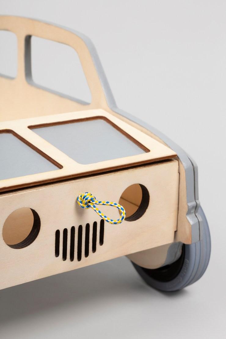 Kids'Garret revive la legendaria carrera Mille Miglia con su nueva colección. Coche de madera caminador