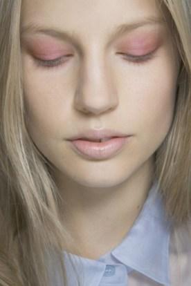 maquillaje-unico-en-rosa-cuarzo