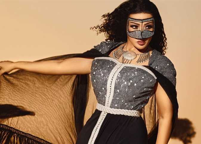 Watch - Sumaya Al Khashab blew up and lit the fire of the youth: better than Rania Youssef